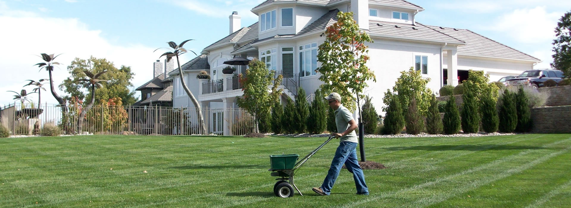Image result for Lawn fertilizing companies